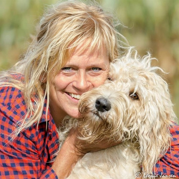 Yolande Oosterman
